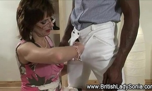 Mature black cock slut sonia receives interracial