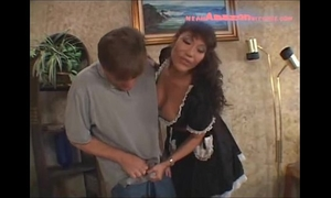 Maid ava devine facesitting